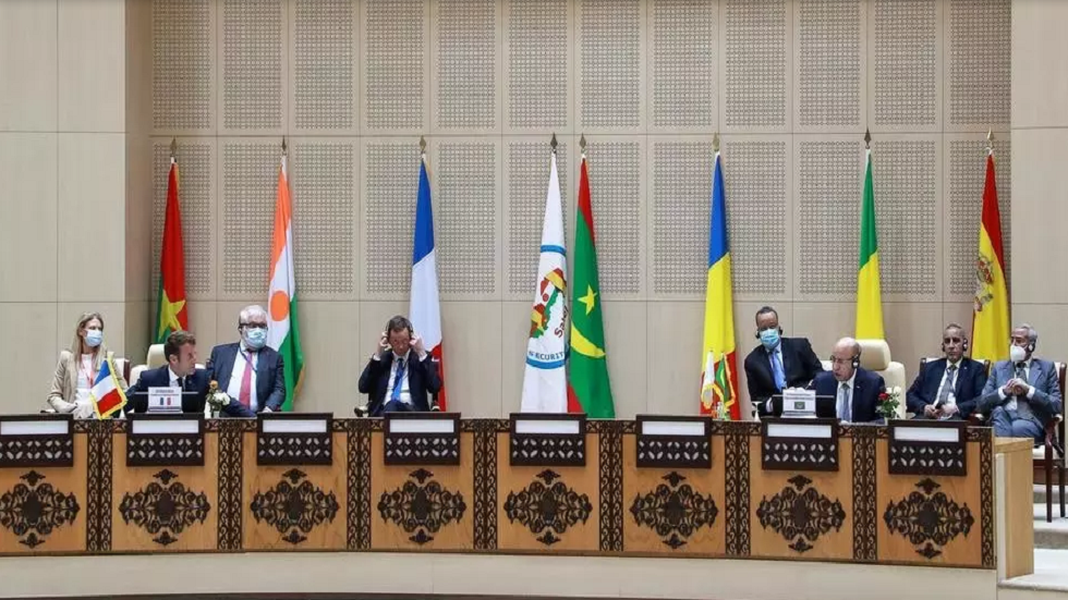 A summit between the countries of the Sahel group and France to discuss combating militant movements