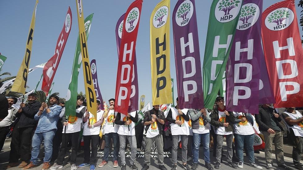 الرئاسة التركية حول أحد أكبر أحزاب البلاد: دمية سياسية تعمل بأمر من