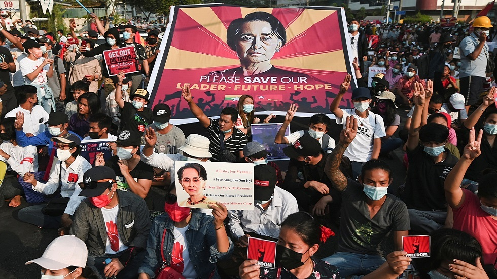 سلطات ميانمار توجه تهمة جديدة للزعيمة المعزولة أونغ سان سو تشي