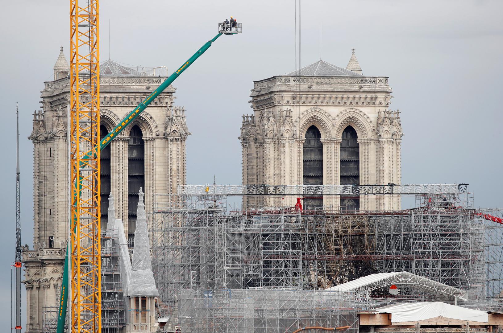 فرنسا تبحث عن خشب البلوط لإعادة بناء برج نوتردام