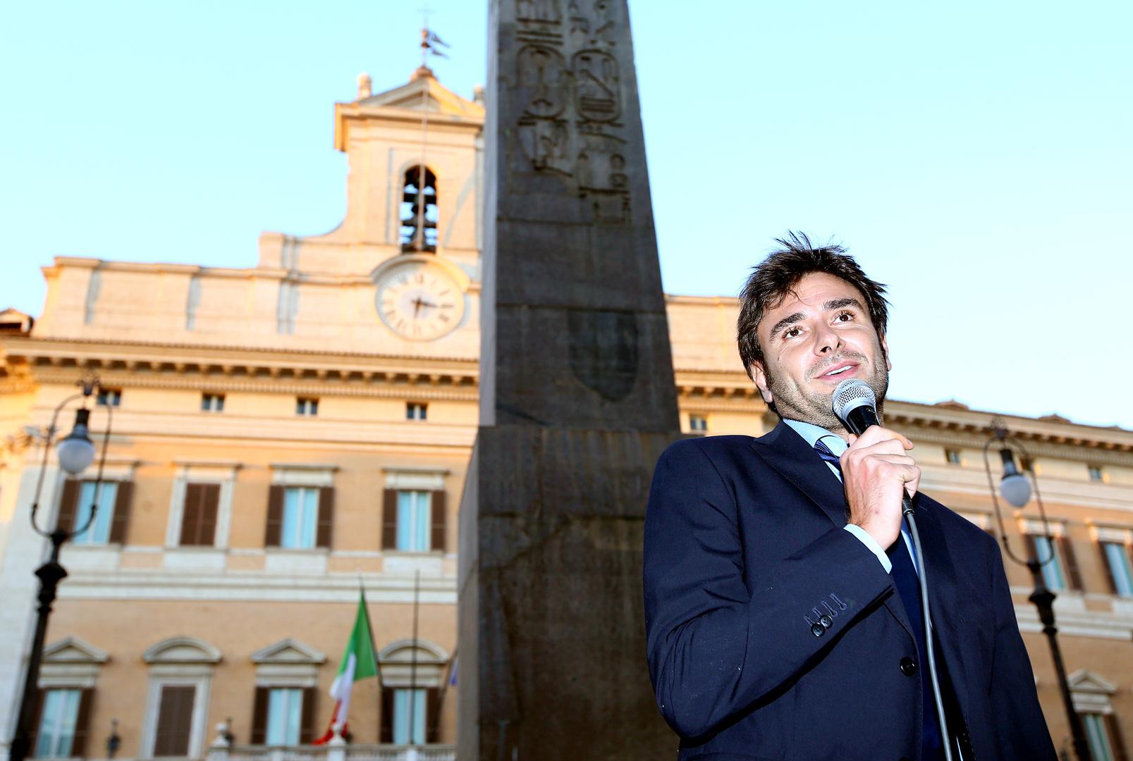 أليساندرو دي باتيستا، سياسي إيطالي