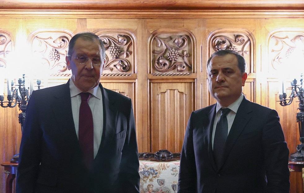 لافروف يبحث مع نظيره الأذربيجاني تنفيذ اتفاقات قره باغ