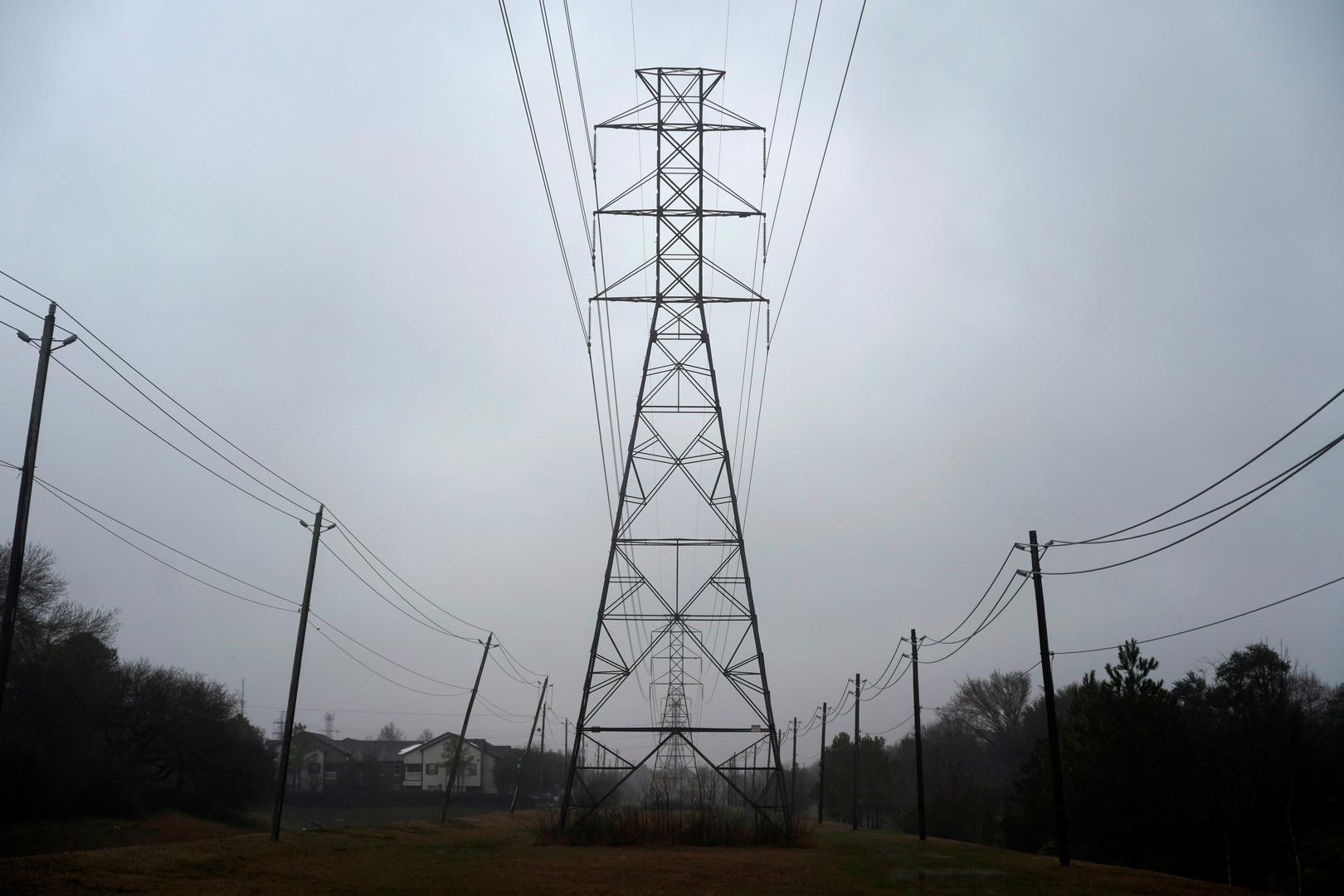موجة برد قوية تضرب الولايات المتحدة تحرم الملايين من الكهرباء (صور)