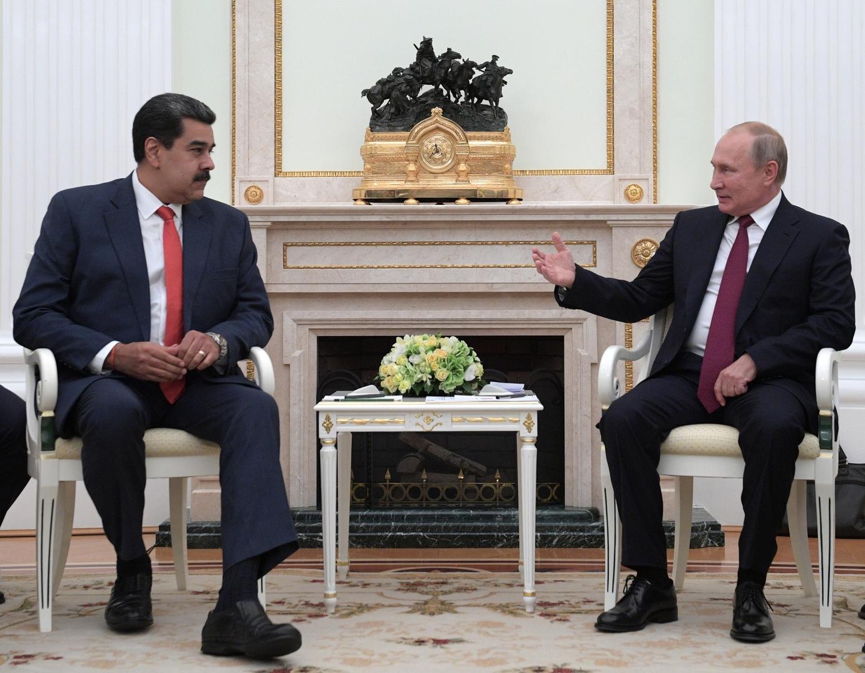 الرئيس الروسي، فلاديمير بوتين، يستقبل الرئيس الفنزويلي، نيكولاس مادورو (أرشيف).
