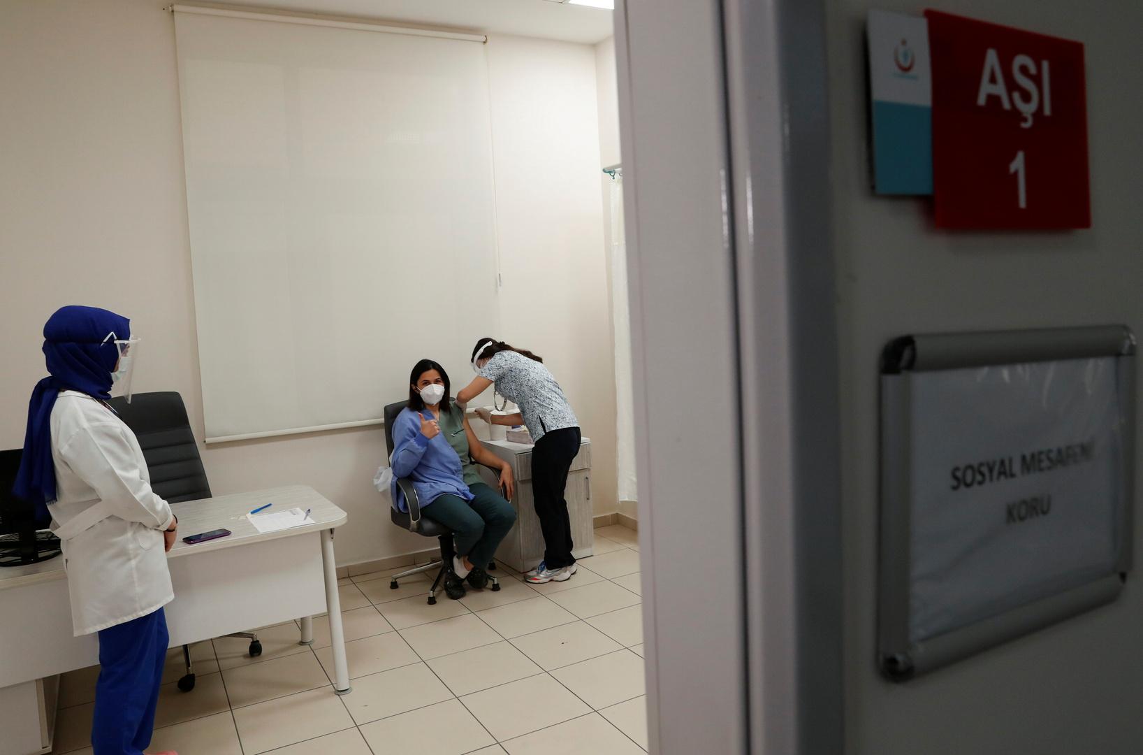 الصحة التركية: نسعى لشراء 105 ملايين جرعة من اللقاحات المضادة لكورونا بحلول أبريل