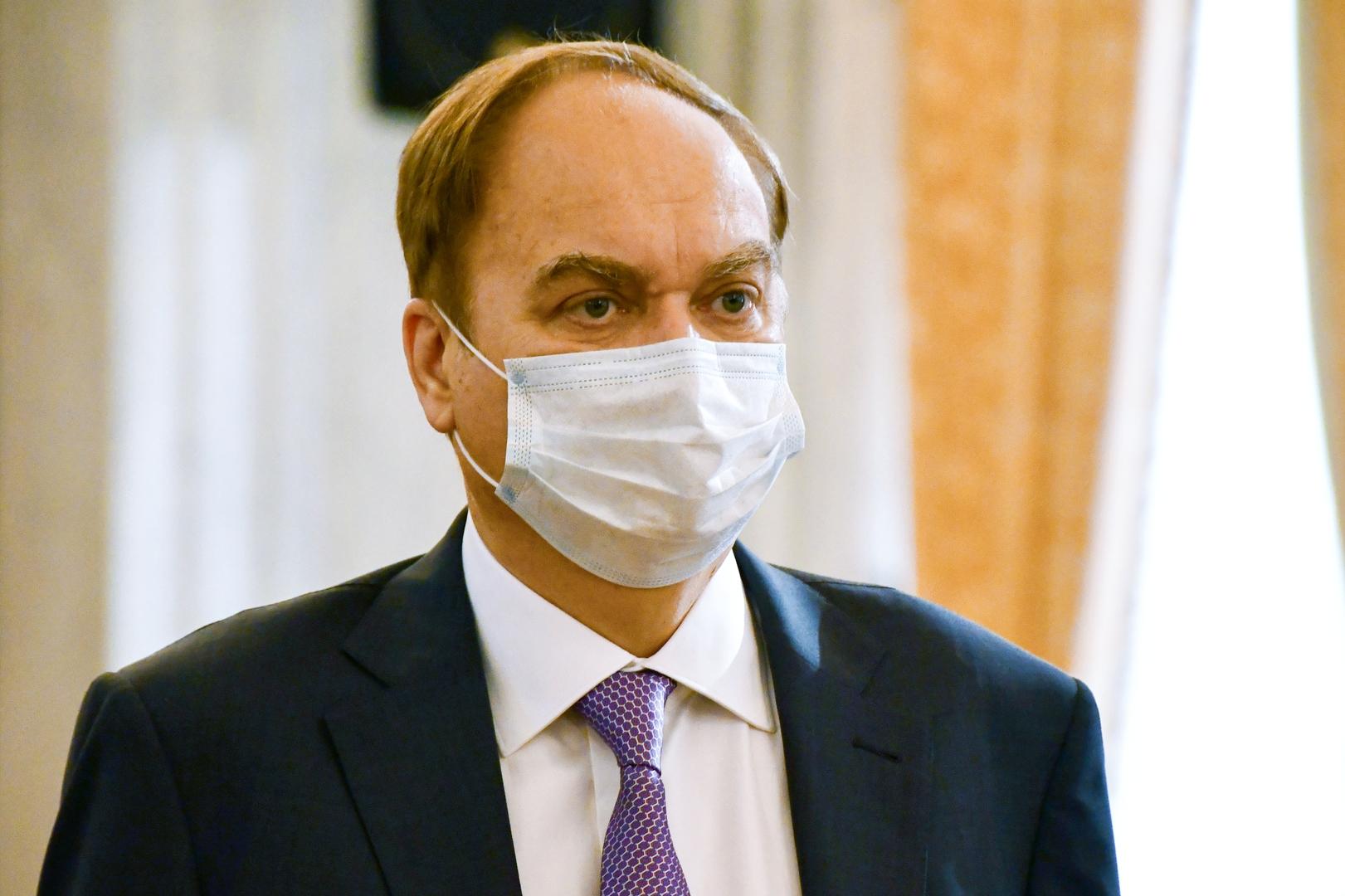 السفير الروسي بواشنطن: لا نقوم بتسييس موضوع لقاحات كورونا