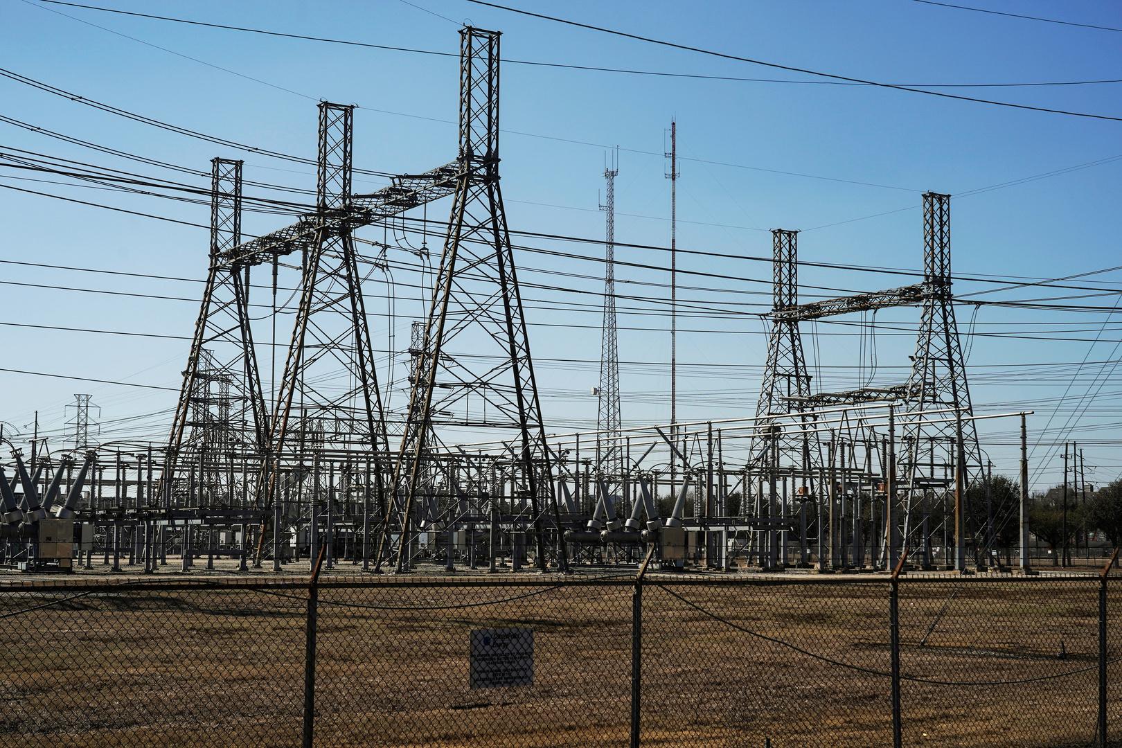 بيل غيتس يفسر سبب انهيار شبكات الطاقة في تكساس