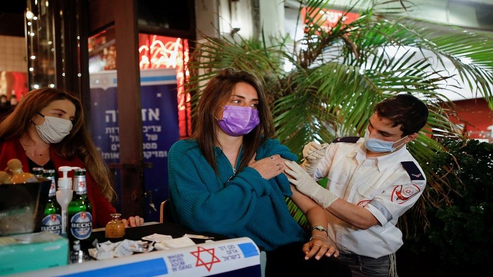 إسرائيل.. إعادة فتح قطاعات واسعة من الاقتصاد بعد تطعيم نحو نصف السكان ضد كورونا