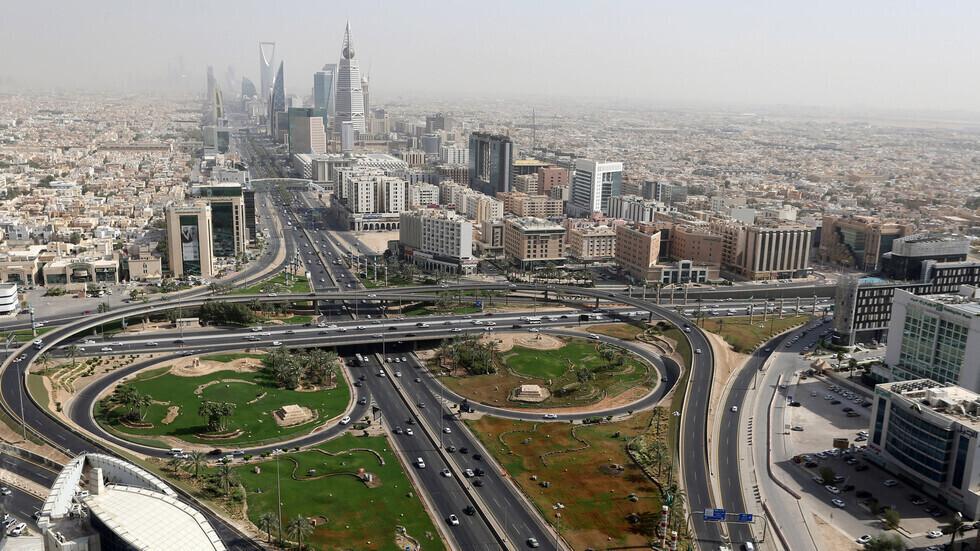 السعودية تسجل 327 إصابة و5 وفيات بكورونا مقابل 318 شفاء
