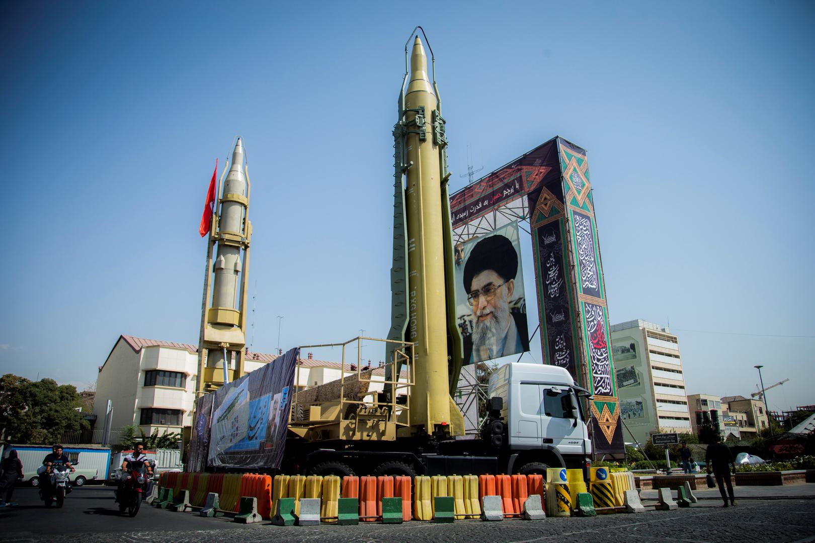إيران تكشف عن طائرة مسيرة هجومية جديدة تشبه