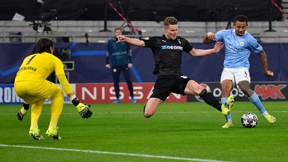 مانشستر سيتي يضع قدما في ربع نهائي دوري الأبطال بثنائية في شباك مونشغلادباخ  (فيديو)