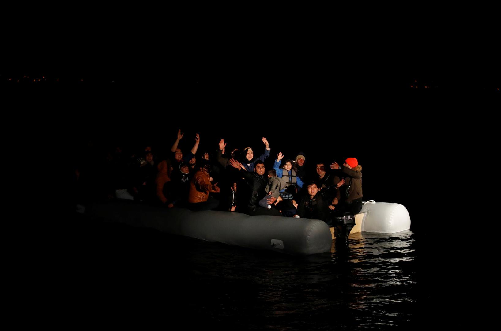 خفر السواحل التركي ينقذ 9 مهاجرين قبالة سواحل إزمير غرب البلاد