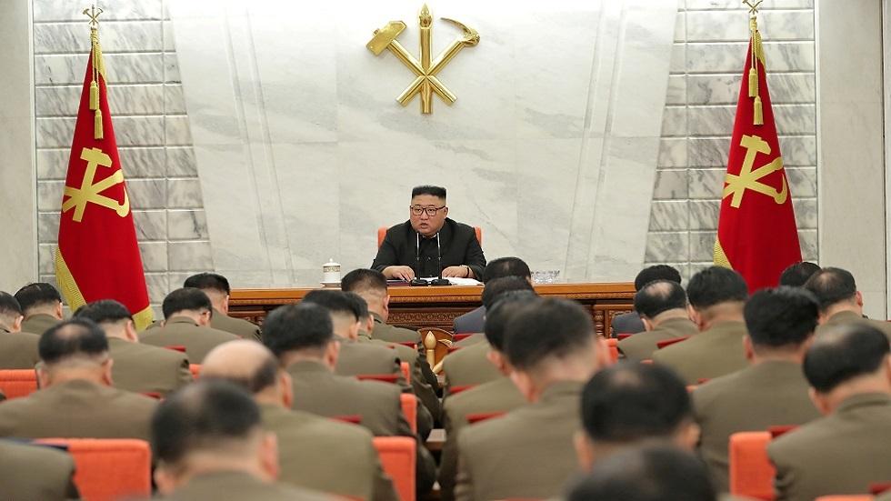 كوريا الشمالية.. كيم يأمر بتشديد الرقابة على المسؤولين العسكريين