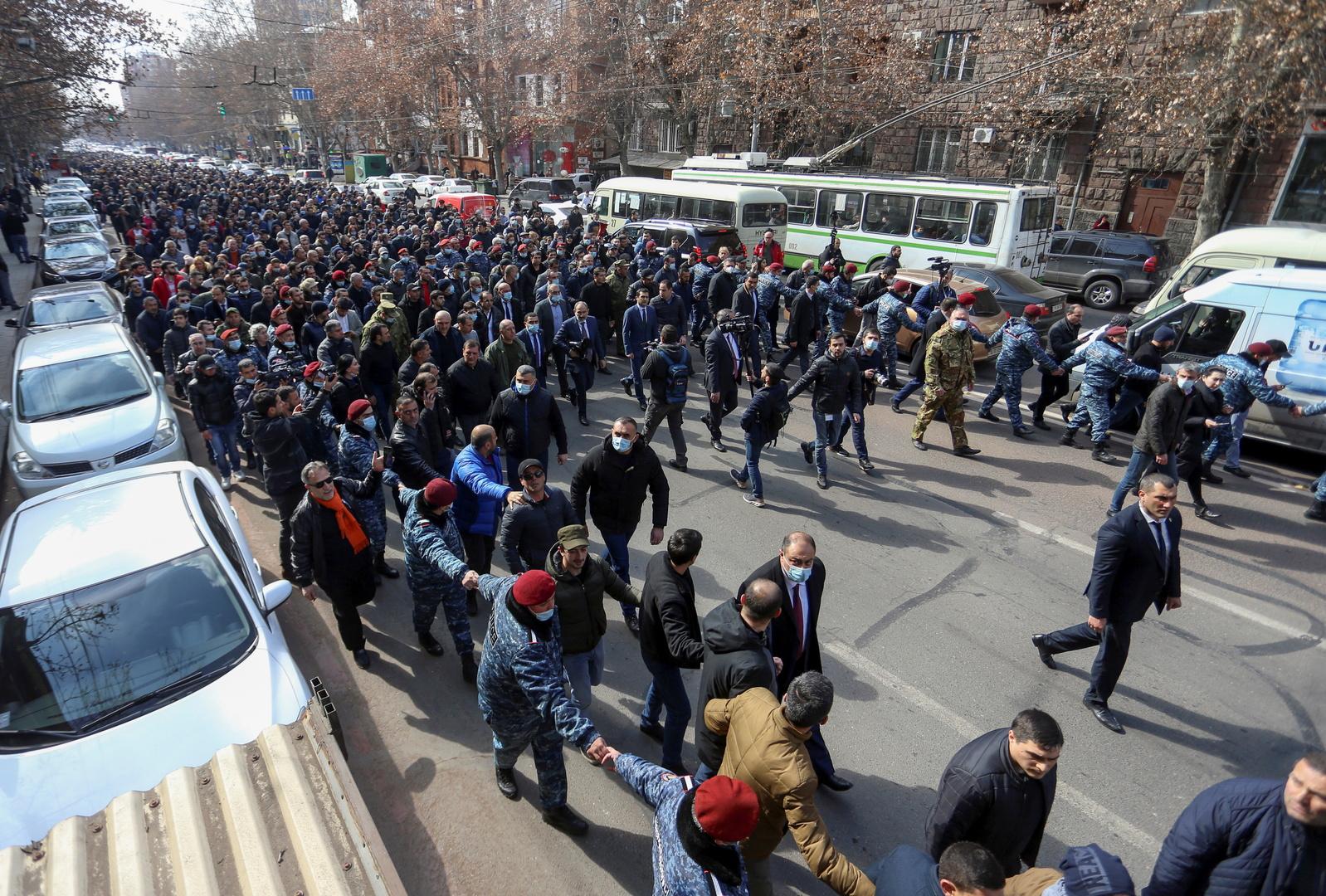 نيكول باشثينيان يترأس مظاهرة لمؤيديه - يريفان