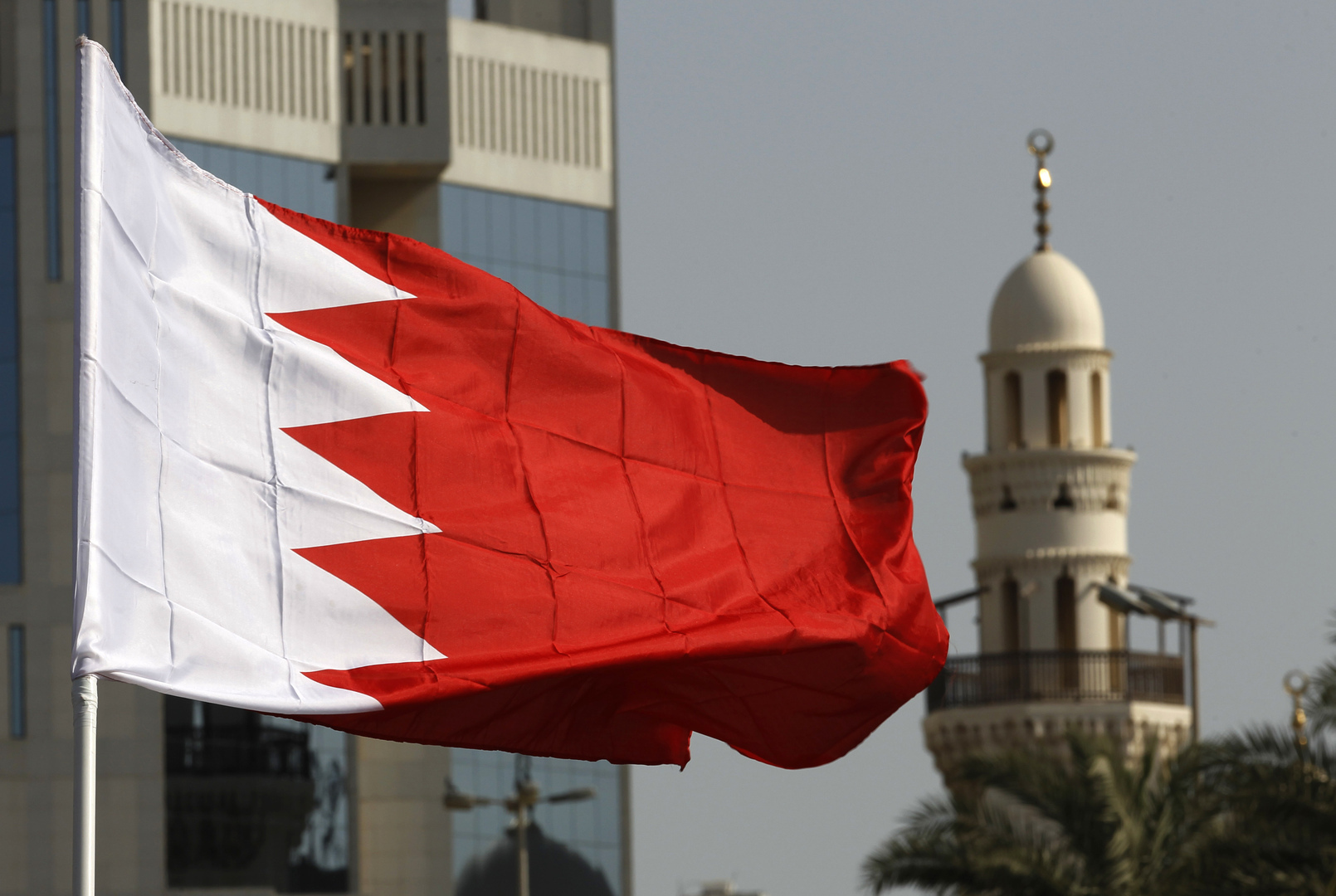 البحرين تقر الاستخدام الطارئ للقاح