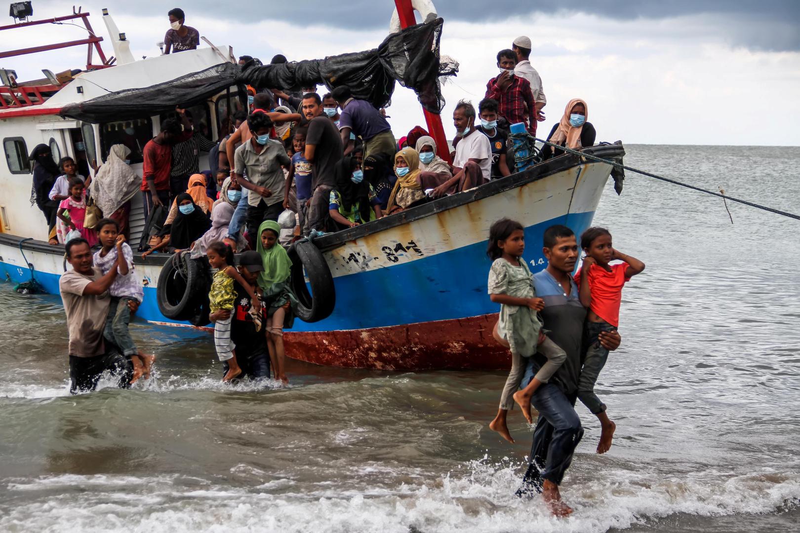 قارب يحمل لاجئين من الروهينغا، تعبيرية