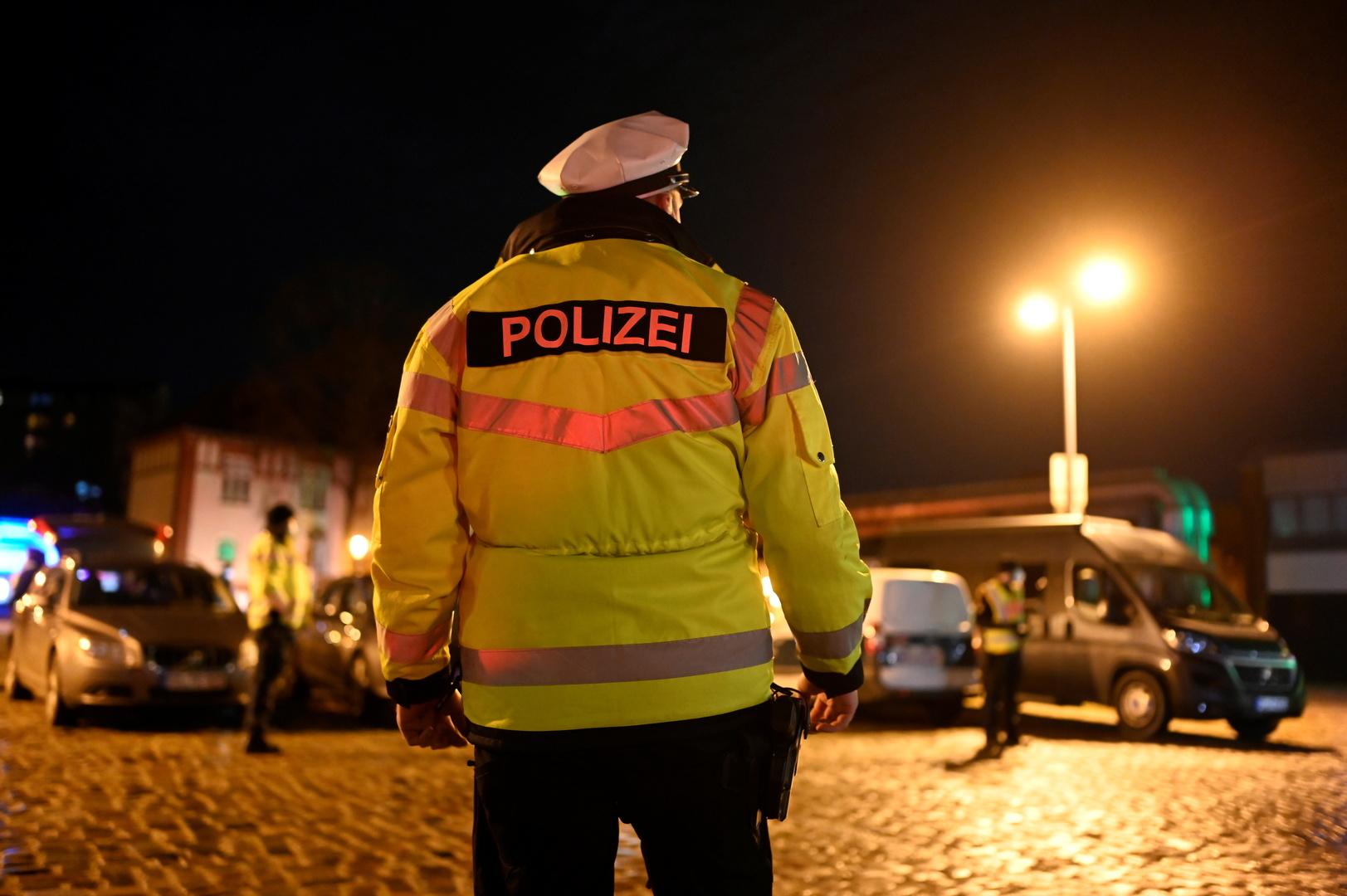 الشرطة الألمانية تنفذ عشرات المداهمات فجرا على شبكة إجرامية يمينية متطرفة