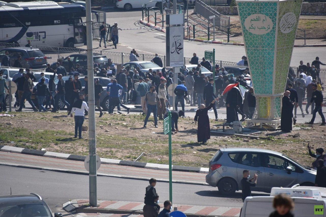 الشرطة الإسرائيلية تستخدم القوة لتفريق احتجاجات في مدينة أم الفحم (فيديو+صورة)