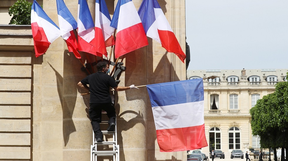 فرنسا توقف ملاحقة ضابط سوري منشق
