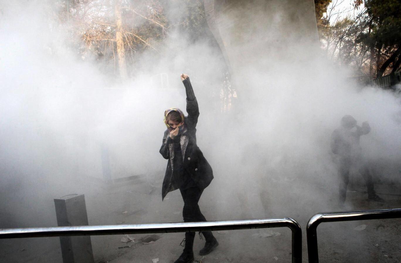 متظاهرة في إيران - صورة أرشيفية