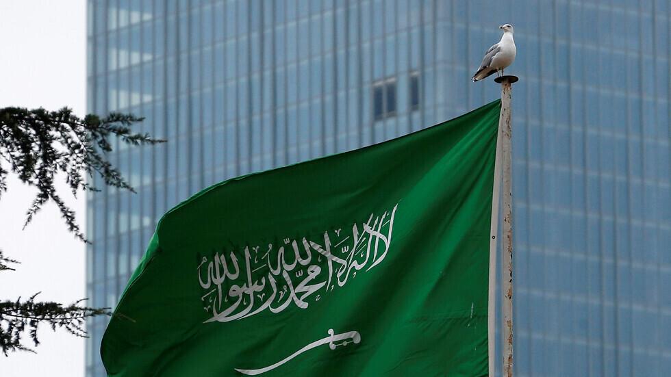 معلقون سعوديون يطالبون إدارة بايدن بعدم الاستقواء على الرياض