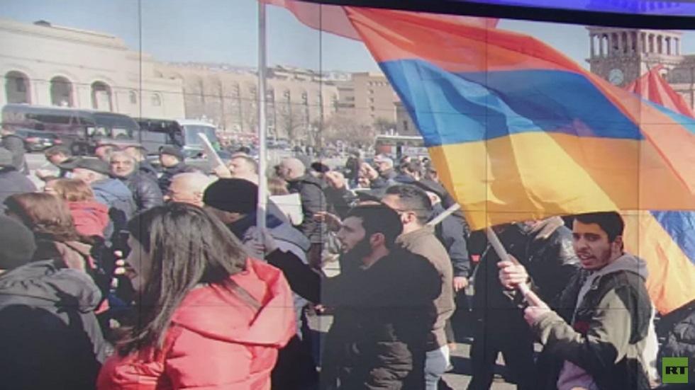 احتدام الأزمة السياسية في أرمينيا