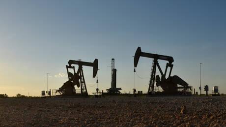 أسعار النفط عند أعلى مستوى في 13 شهرا بفعل عاصفة