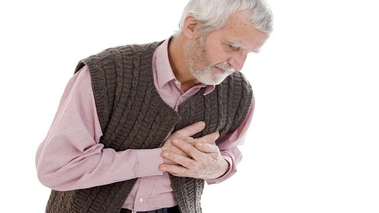 علامة غير اعتيادية لنوبة قلبية 6049a445423604523e6d79b9