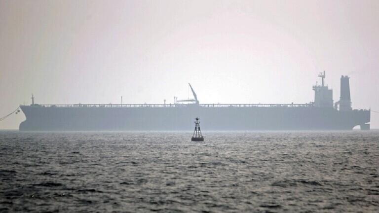 """""""إندبندنت"""": تعرض سفينة تجارية إيرانية لهجوم في شرق المتوسط 604a900e4c59b71eca51f035"""
