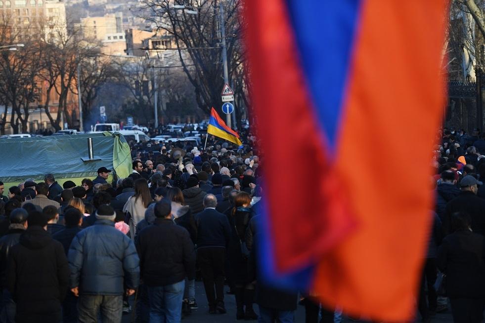 سركيسيان يتلقى طلبا ثانيا من باشينيان بإقالة رئيس الأركان العامة