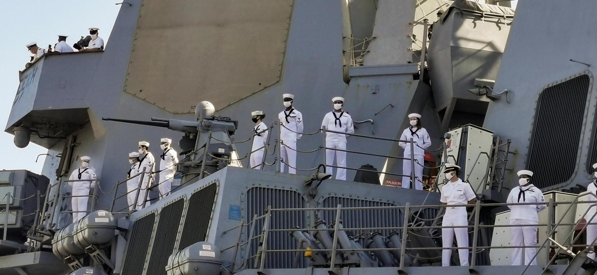 سفينة بحرية أمريكية ترسو في السودان