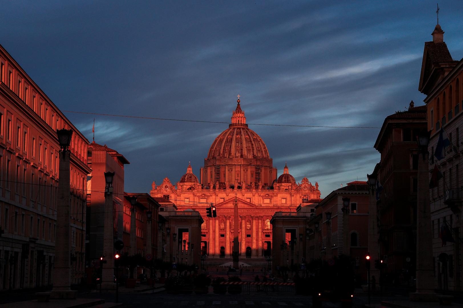 بنديكتس السادس عشر ينفي نظريات المؤامرة في تخليه عن البابوية