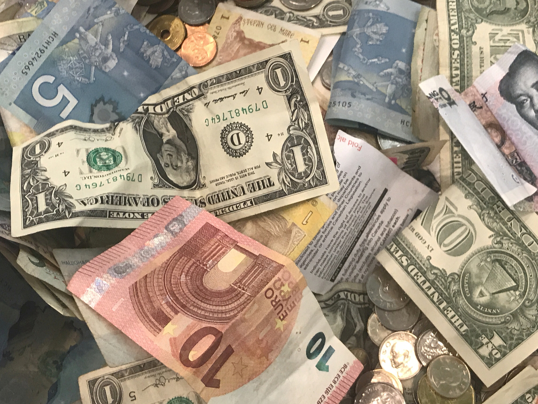 سلطنة عمان توقع اتفاق قرض بقيمة 2.2 مليار دولار