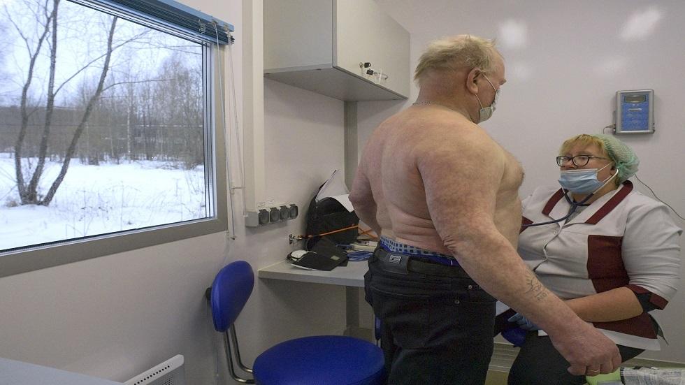علماء: السمنة تقلل كمية المضادات في جسم الإنسان بعد التطعيم ضد