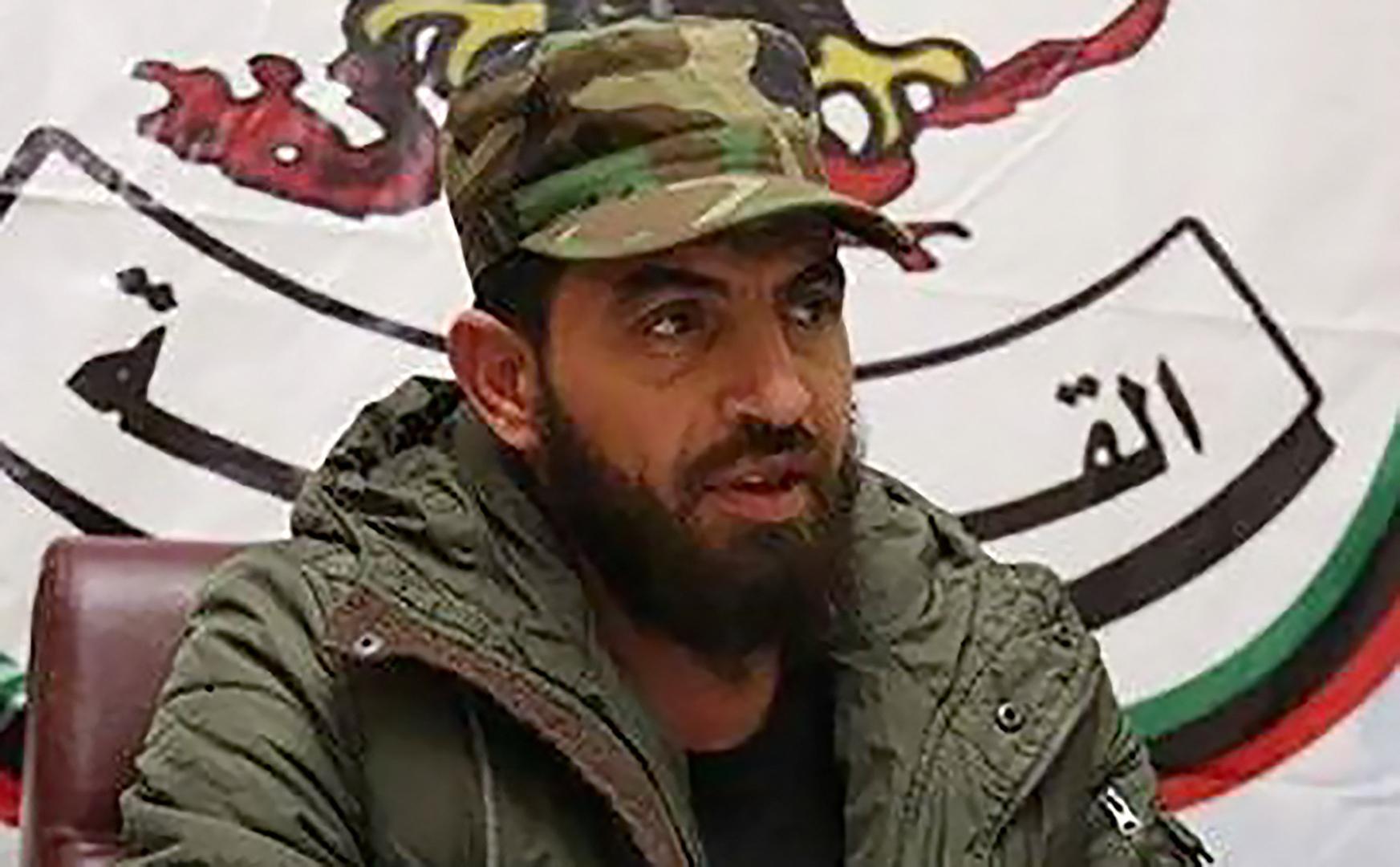 محمود الورفلي يحطم وكالة سيارات تويوتا في بنغازي ويتوعد صاحبها: ابق بالخارج وإياك أن تعود فأنت ميت