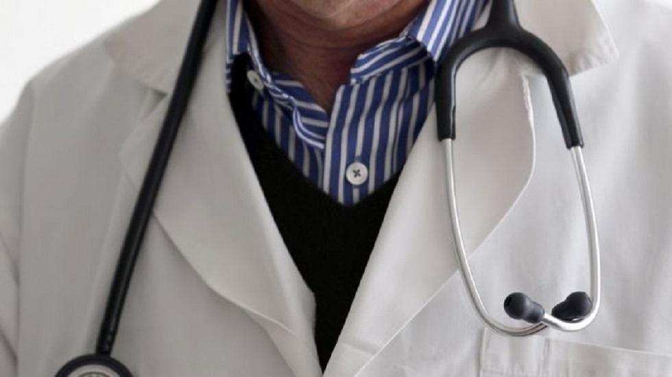 مصر.. حبس شاب مارس مهنة طبيب نساء وتوليد لمدة 10 سنوات