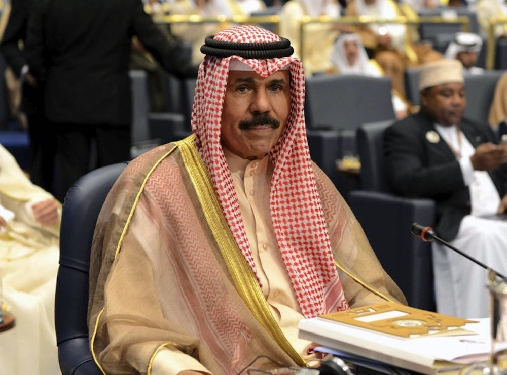أمير الكويت إلى الولايات المتحدة لإجراء