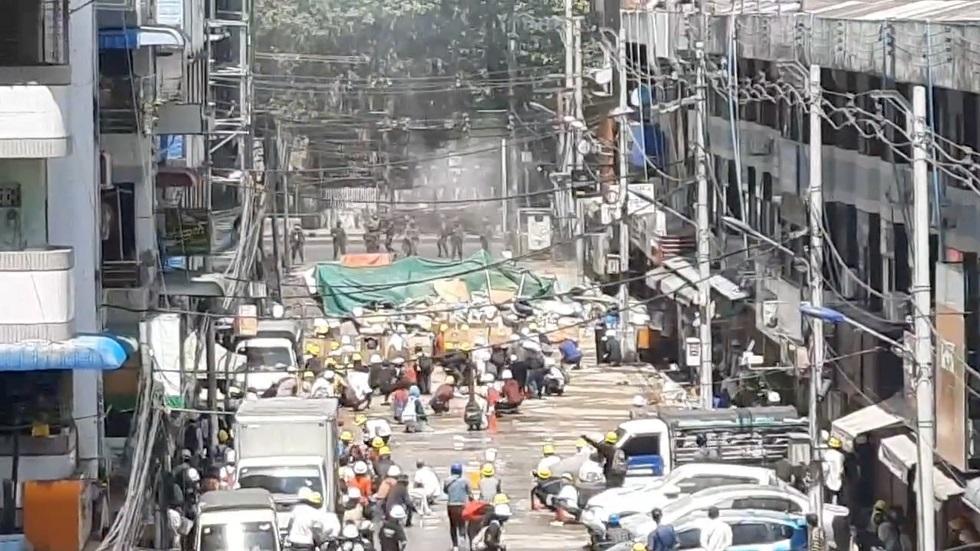 ميانمار.. نشطاء يتعهدون بمزيد من الاحتجاجات بعد أكثر الأيام دموية منذ الانقلاب