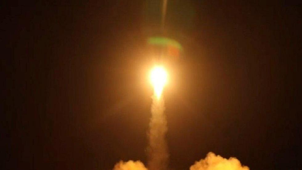 صاروخ باليستي أطلقه الحوثيون -أرشيف-