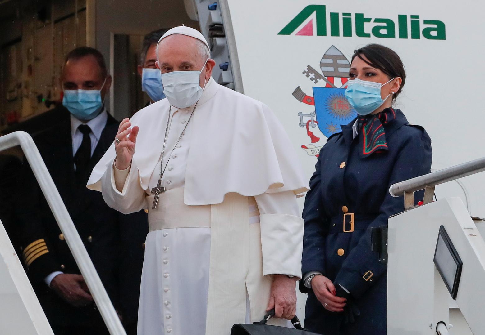البابا فرانسيس يبدأ زيارة تاريخية إلى العراق
