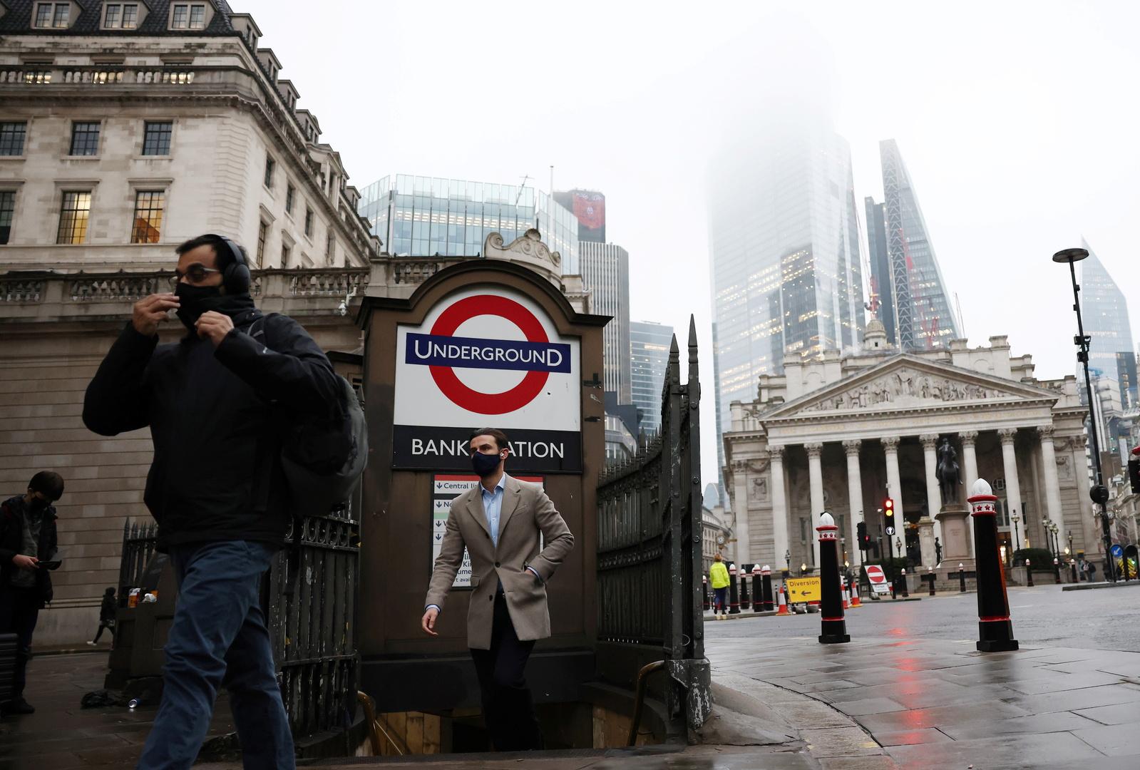 السلطات البريطانية تخطط لتخفيف القيود المفروضة بسبب كورونا