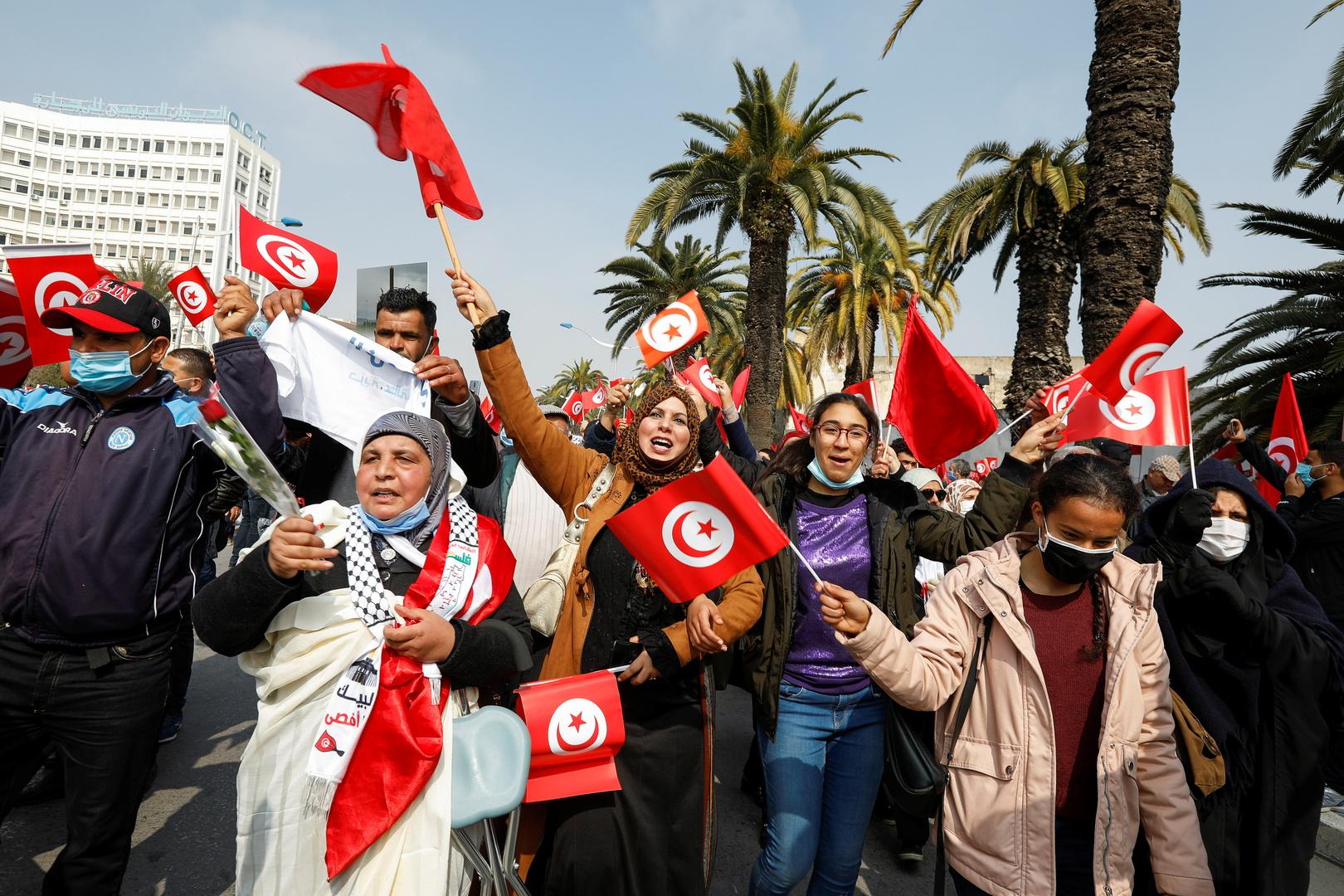 تونس: رفع الحجر الإجباري على القادمين من الخارج واستئناف الأنشطة الثقافية