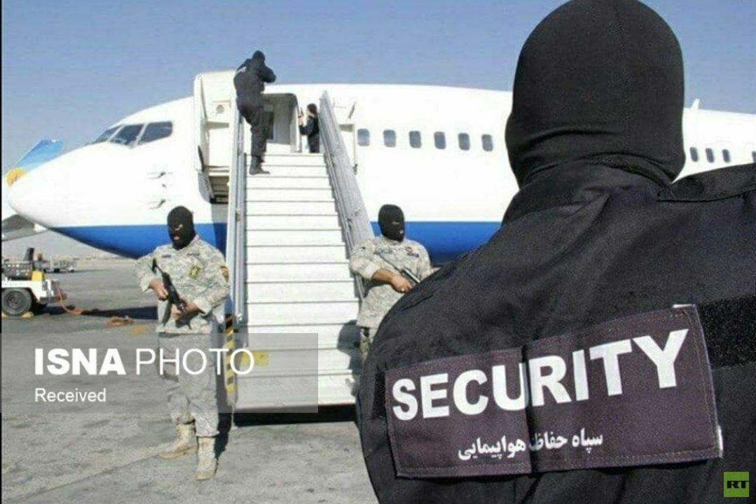 شاهد الصور الأولى للطائرة التي أحبط الحرس الثوري الإيراني محاولة اختطافها