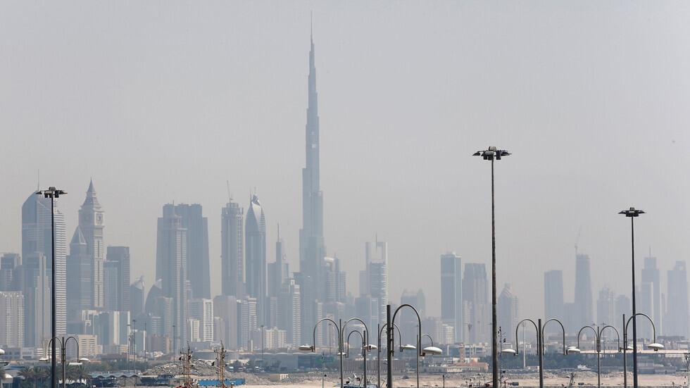 الإمارات.. 10 وفيات و3072 إصابة جديدة بكورونا