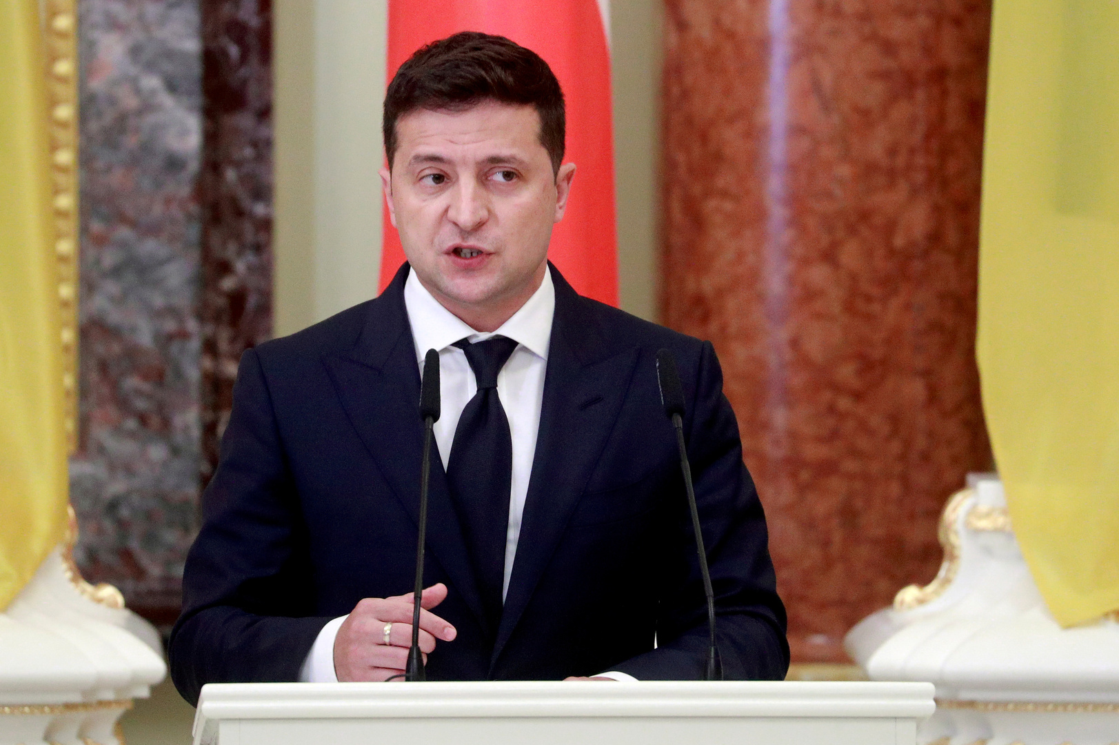 برلماني يحذر الرئيس الأوكراني من ملاقاة مصير تشاوشيسكو