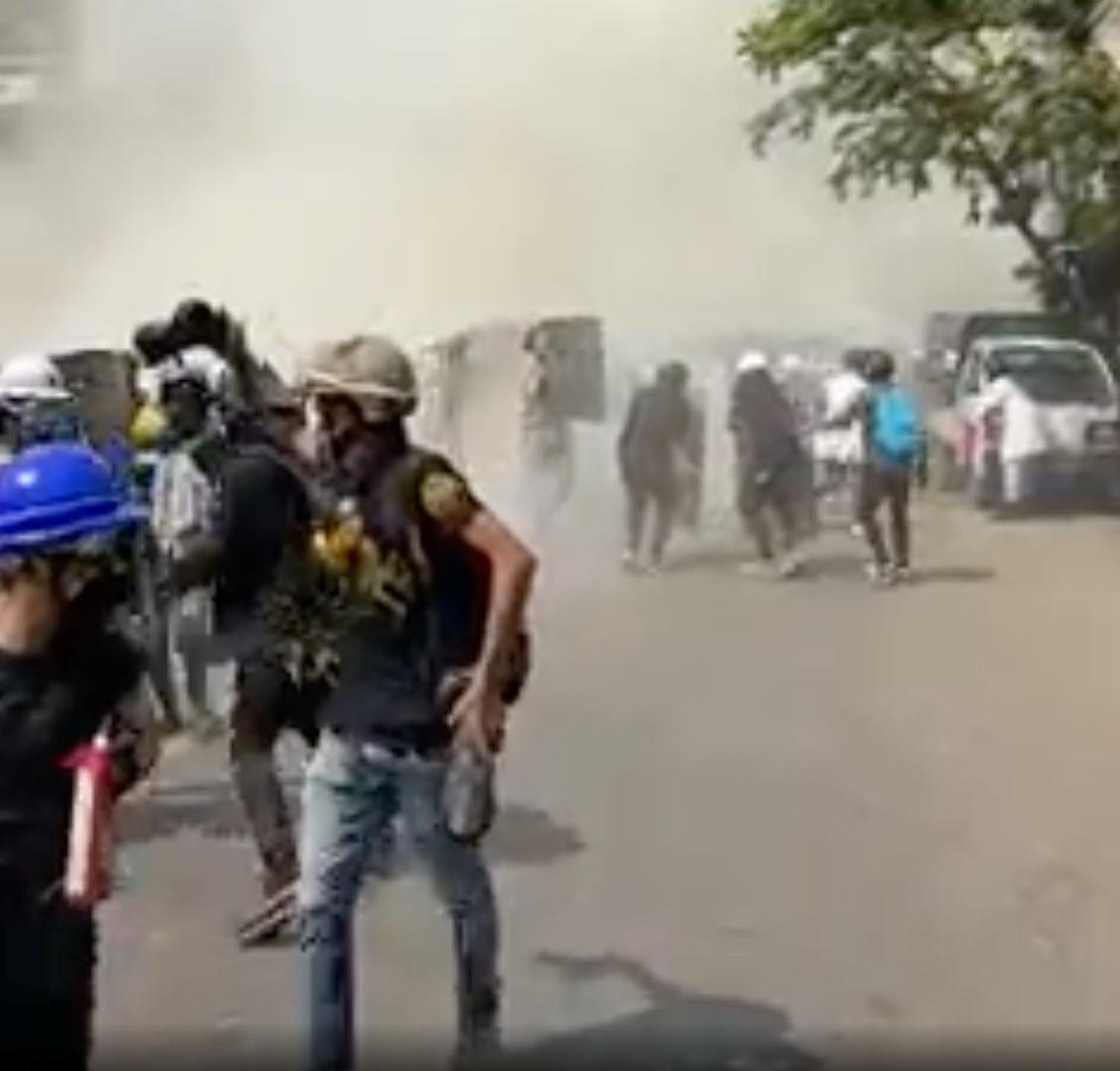 احتجاجات ميانمار مستمرة ووفاة مسؤول حزبي وهو رهن الاحتجاز لدى الشرطة