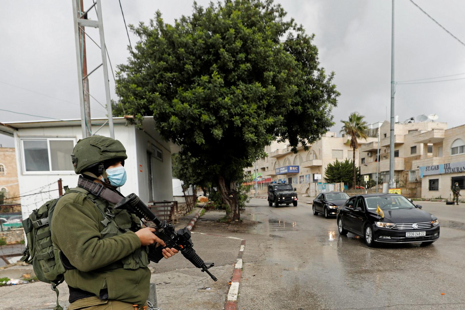 اعتقال فلسطينية بزعم محاولة تنفيذ عملية طعن في إحدى المستوطنات
