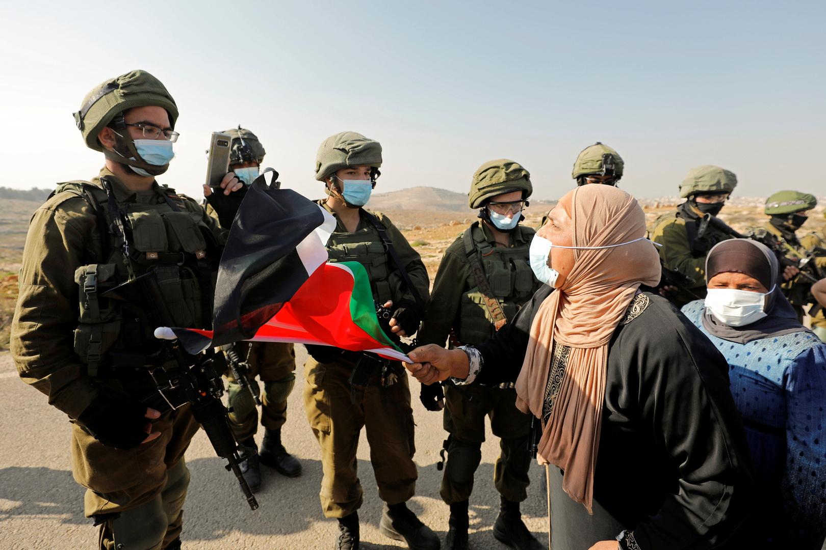 القوات الإسرائيلية تفض فعالية نسوية في الطور وتعتقل سيدتين