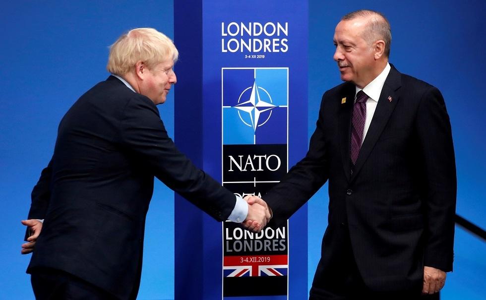 الرئيس التركي رجب طيب أردوغان ورئيس الوزراء البريطاني بوريس جونسون