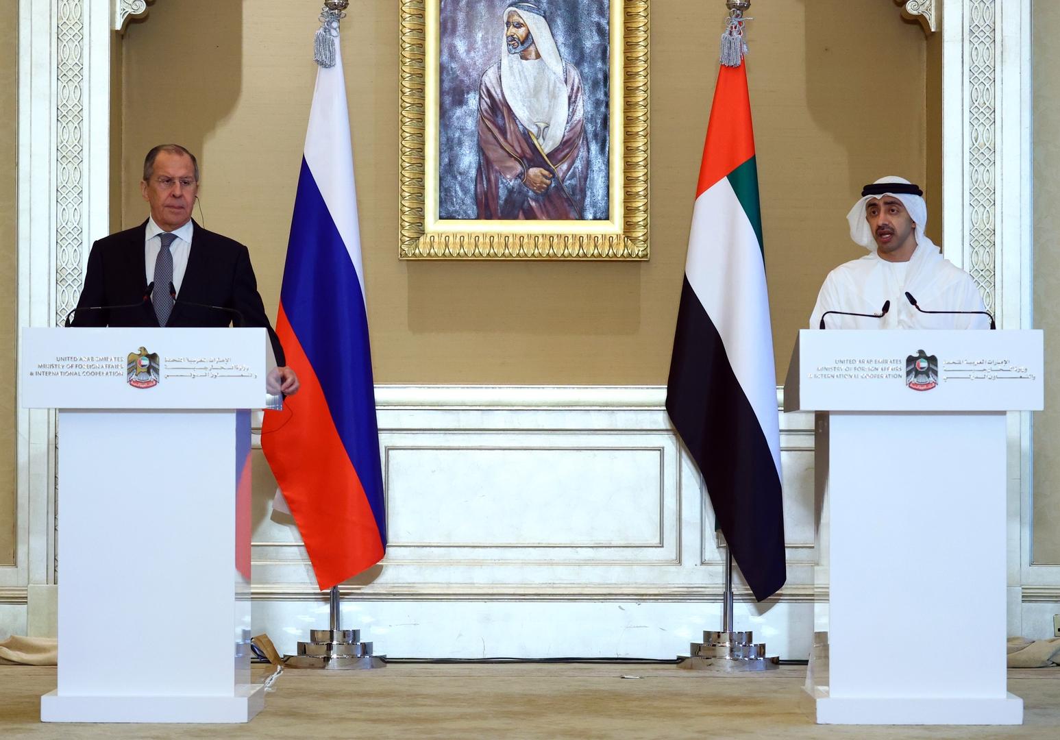 وزيرا الخارجية الروسي، سيرغي لافروف، والإمالراتي، عبد الله بن زايد آل نهيان في أبو ظبي